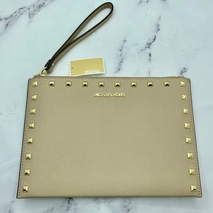 MICHAEL KORS Jet Set Travel Wristlet Bisque